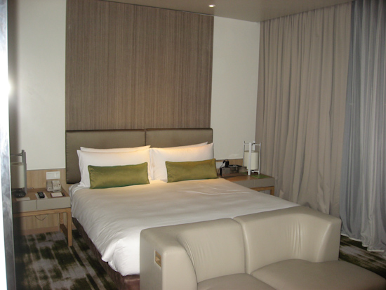 Crowne Plaza Singapore Airport Hotel Bed and Sofa