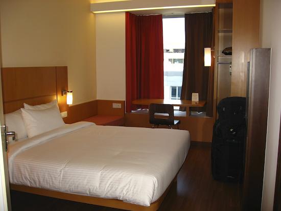 Ibis Singapore Hotel Room