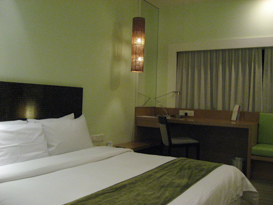 Changi Village Hotel Singapore Bed And Desk