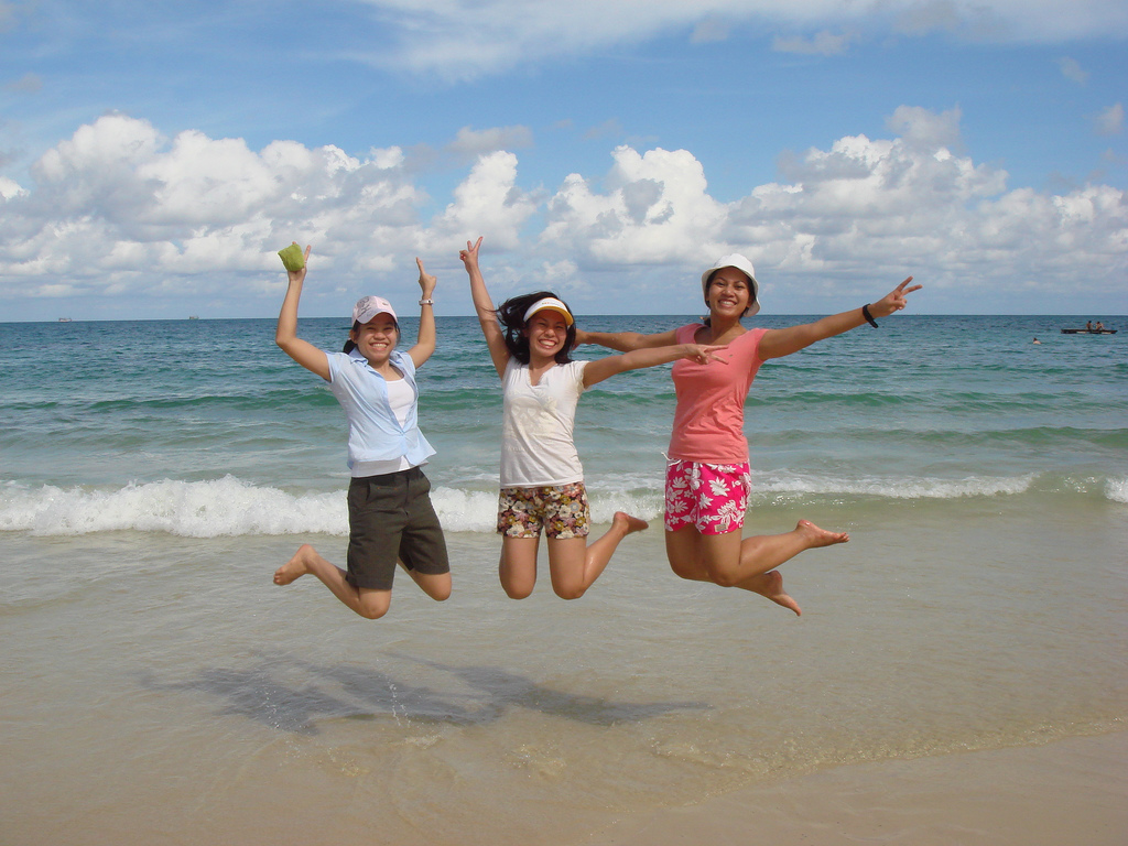 How To Find Travel Friends Online - Travel Happy