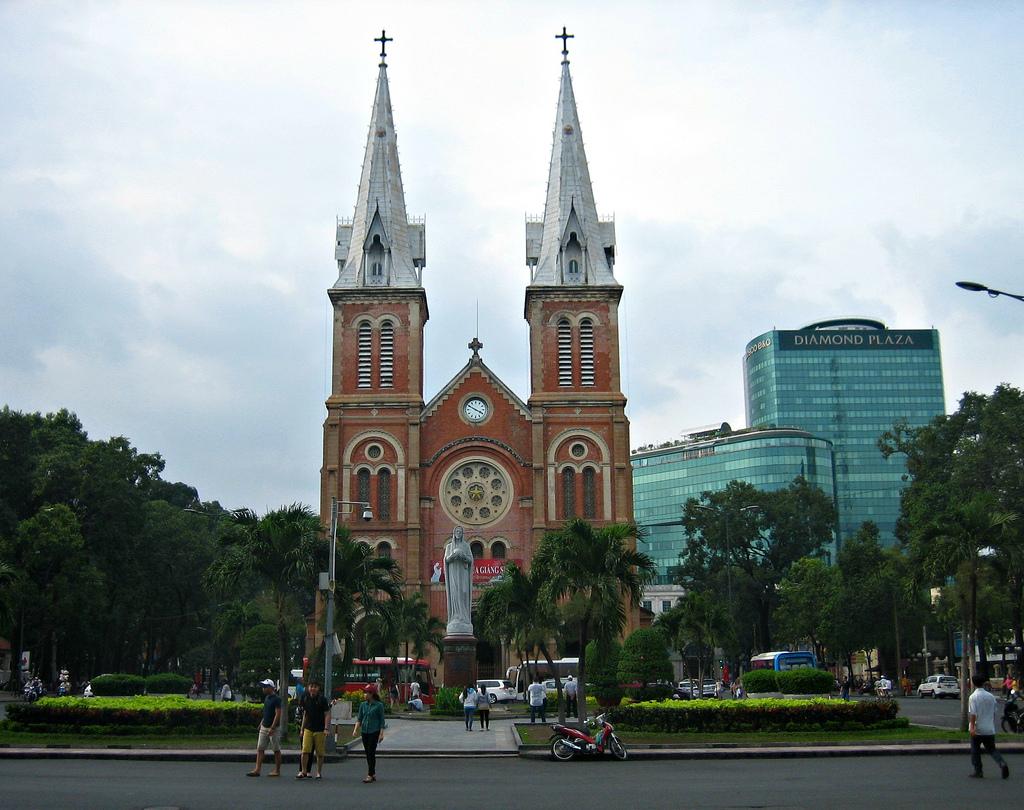 Saigon Quick Guide - Travel Happy